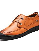 Недорогие -Муж. Комфортная обувь Полиуретан Весна Туфли на шнуровке Коричневый / Темно-русый