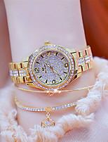 Недорогие -Жен. Наручные часы Японский Кварцевый Серебристый металл / Золотистый 30 m Новый дизайн Светящийся Повседневные часы Аналоговый На каждый день Мода - Золотой Серебряный Два года Срок службы батареи