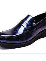 Недорогие -Муж. Комфортная обувь Микроволокно Весна Мокасины и Свитер Черный / Красный / Синий