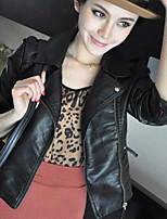Недорогие -Жен. Повседневные Уличный стиль Осень Короткая Кожаные куртки, Однотонный Рубашечный воротник Длинный рукав Полиуретановая Черный L / XL / XXL