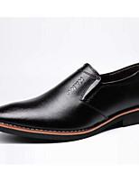 Недорогие -Муж. Комфортная обувь Кожа Лето Мокасины и Свитер Черный / Коричневый