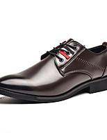 Недорогие -Муж. Комфортная обувь Полиуретан Весна Деловые Туфли на шнуровке Нескользкий Черный / Коричневый