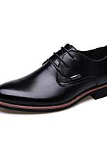 Недорогие -Муж. Комфортная обувь Полиуретан Зима Туфли на шнуровке Черный / Коричневый