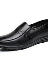 Недорогие -Муж. Комфортная обувь Кожа Весна & осень Мокасины и Свитер Черный