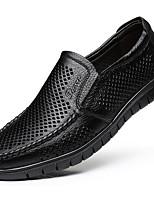 Недорогие -Муж. Комфортная обувь Кожа Весна лето Мокасины и Свитер Черный / Коричневый