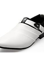 Недорогие -Муж. Комфортная обувь Кожа Весна & осень Мокасины и Свитер Белый / Черный / Коричневый
