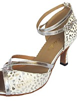 """Недорогие -Жен. Обувь для латины Полиуретан Сандалии Каблук """"Клеш"""" Персонализируемая Танцевальная обувь Белое / серебро"""