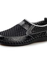 Недорогие -Муж. Комфортная обувь Кожа Лето Мокасины и Свитер Черный / Синий / Темно-русый