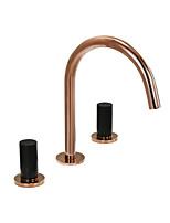 Недорогие -Ванная раковина кран - Водопад / Широко распространенный / Вращающийся Хром Разбросанная Две ручки три отверстияBath Taps