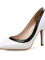 Недорогие -Жен. Искусственная кожа Весна & осень Деловые Обувь на каблуках На шпильке Заостренный носок Белый / Черный / Контрастных цветов