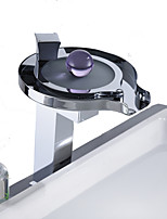 Недорогие -Ванная раковина кран - LED Хром Свободно стоящий Одной ручкой Два отверстияBath Taps / Нержавеющая сталь