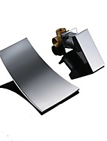 Недорогие -Ванная раковина кран - Водопад Хром Монтаж на стену Одной ручкой Два отверстияBath Taps