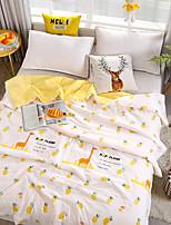 Недорогие -удобный - 1 одеяло Весна & осень / Осень / Весна Полиэстер Геометрический принт / Простой / Мультипликация