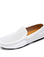 Недорогие -Муж. Кожаные ботинки Кожа Лето / Осень На каждый день Мокасины и Свитер Дышащий Черный / Белый