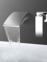 Недорогие -Ванная раковина кран - Водопад Хром На стену Одной ручкой Два отверстияBath Taps
