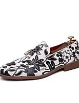 Недорогие -Муж. Официальная обувь Кожа Весна лето / Наступила зима Английский Мокасины и Свитер Нескользкий Черный / Красный / Белый