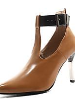 Недорогие -Жен. Обувь на каблуках На шпильке Заостренный носок Пряжки Полиуретан Весна & осень Черный / Коричневый