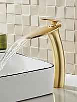 Недорогие -Ванная раковина кран - Водопад Матовый По центру Одной ручкой одно отверстиеBath Taps