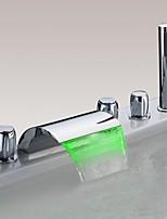 Недорогие -смеситель для ванны - светодиодный хромированный водопад смеситель для душа смесители современные три ручки пять отверстий с ручным душем