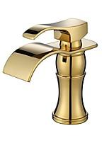 Недорогие -Ванная раковина кран - Широко распространенный Ti-PVD По центру Одной ручкой одно отверстиеBath Taps