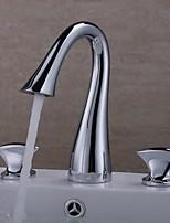 Недорогие -Ванная раковина кран - Широко распространенный Хром Разбросанная Две ручки три отверстияBath Taps
