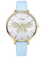 Недорогие -Жен. Нарядные часы Кварцевый Кожа Небесно-голубой 30 m Защита от влаги Повседневные часы Аналоговый Бабочка Мода - Белый Один год Срок службы батареи