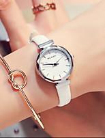 Недорогие -Жен. Часы-браслет Кварцевый Кожа 100 m Милый Аналоговый Винтаж минималист - Черный Белый Синий