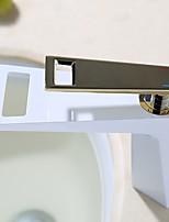 Недорогие -Ванная раковина кран - Водопад Ti-PVD / Окрашенные отделки По центру Одной ручкой одно отверстиеBath Taps
