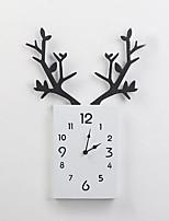 Недорогие -Часы деревянные квадратные цифровые рога настенные часы подвесной настенный дисплей для кабинета офиса спальня украшения часы