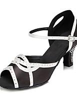 Недорогие -Жен. Сатин Обувь для латины Стразы На каблуках Кубинский каблук Персонализируемая Черный / Белый