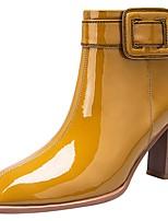 Недорогие -Жен. Ботинки На толстом каблуке Квадратный носок Лакированная кожа Зима Черный / Белый / Коричневый