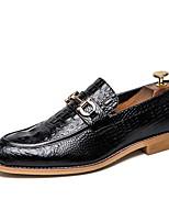 Недорогие -Муж. Комфортная обувь Искусственная кожа Лето Мокасины и Свитер Черный / Коричневый