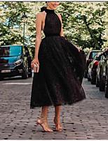 Недорогие -А-силуэт Хальтер Ниже колена Тюль Маленькое черное платье Коктейльная вечеринка Платье с Бант(ы) / Рюши от LAN TING Express