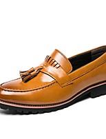 Недорогие -Муж. Комфортная обувь Полиуретан Весна лето Мокасины и Свитер Черный / Коричневый