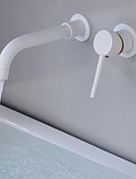 Недорогие -Ванная раковина кран - Широко распространенный / Вращающийся Хром / Античная медь / Окрашенные отделки Монтаж на стену Одной ручкой одно отверстиеBath Taps