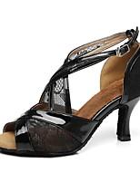 Недорогие -Жен. Танцевальная обувь Полиуретан Обувь для латины На каблуках Тонкий высокий каблук Черный / Бежевый
