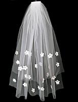 Недорогие -Два слоя Простой Свадебные вуали Фата до плеч с Отделка 75 cm Тюль