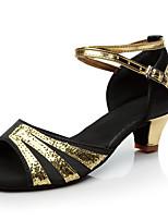 Недорогие -Жен. Танцевальная обувь Сатин Обувь для латины / Обувь для сальсы Пряжки На каблуках Толстая каблук Персонализируемая Черный / Синий
