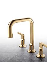 Недорогие -Уникальный дизайн, высокое качество ванной сантехника фитинги из матового золота с двумя ручками 3 отверстия установки на столешницу широко распространенных горячей холодной умывальника умывальник