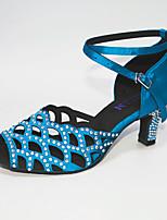 Недорогие -Жен. Танцевальная обувь Сатин Обувь для латины Кристаллы / Crystal / Rhinestone На каблуках Кубинский каблук Персонализируемая Черный / Темно-синий / Лиловый