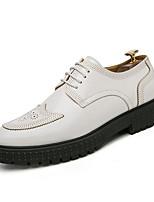 Недорогие -Муж. Комфортная обувь Полиуретан Осень На каждый день Туфли на шнуровке Нескользкий Черный / Белый
