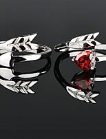 Недорогие -Для пары Кольца для пар Кольцо 1шт Серебряный Красный Медь Круглый Классический корейский Мода Свадьба Обручение Бижутерия Сердце Сердце