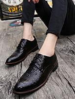 Недорогие -Муж. Официальная обувь Микроволокно Весна лето / Наступила зима Деловые / На каждый день Туфли на шнуровке Дышащий Черный / Коричневый / Красный