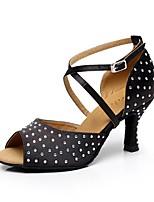Недорогие -Жен. Танцевальная обувь Сатин Обувь для латины Стразы На каблуках Толстая каблук Персонализируемая Черный