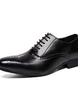 Недорогие -Муж. Комфортная обувь Микроволокно Лето Туфли на шнуровке Черный / Коричневый