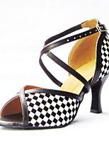 Недорогие -Жен. Танцевальная обувь Сатин Обувь для латины Планка Кроссовки Тонкий высокий каблук Персонализируемая Черно-белый