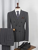 abordables -Gris Rayé Coupe Sur-Mesure Polyester Costume - En Pointe Croisé 4 boutons / costumes