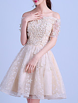 cheap -A-Line Off Shoulder Knee Length Polyester Hot / White Homecoming / Party Wear Dress with Appliques 2020