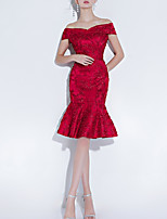 cheap -Mermaid / Trumpet Off Shoulder Knee Length Polyester Hot / Red Engagement / Cocktail Party Dress with Beading / Embroidery 2020