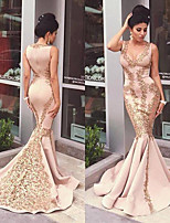 cheap -Mermaid / Trumpet Plunging Neck Court Train Satin Elegant Engagement / Formal Evening Dress 2020 with Appliques